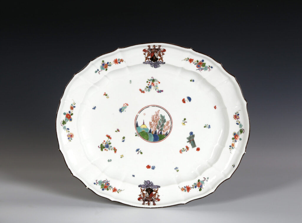 A LARGE MEISSEN ARMORIAL DISH FROM THE HENNICKE SERVICE