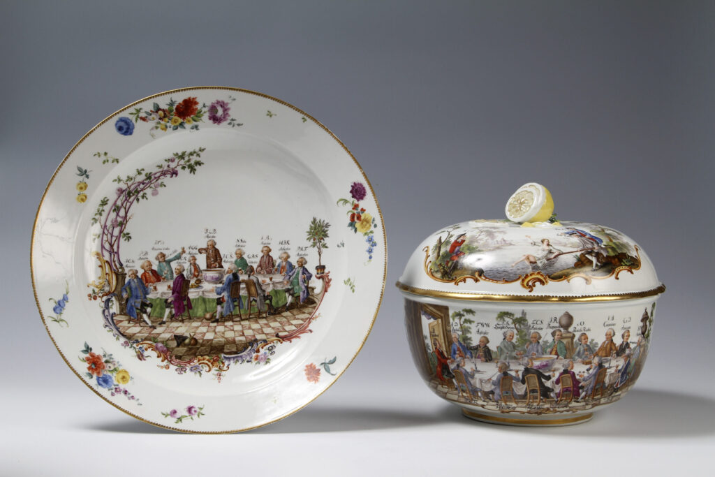 A MEISSEN PUNCH BOWL, COVER  AND A DISH