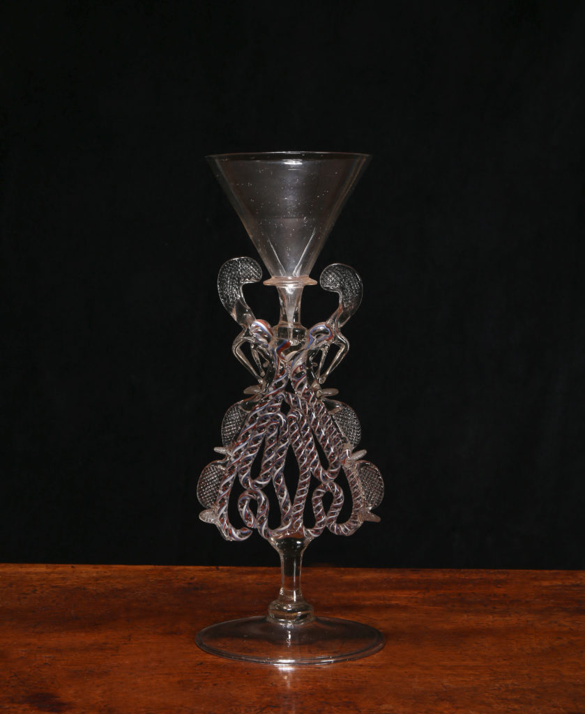 A FAÇON DE VENISE SERPENT-STEMMED WINGED WINE GLASS